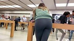 Candid Teen In Leggings At Apple Store