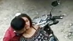 Desi Indian couples fucking in outdoor secretly