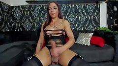 Miss Guilty Pleasure cums!
