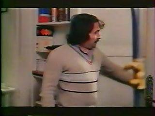 Sex and the city pink dress oscar de l Les fesses de l hotesse 1981 full movie