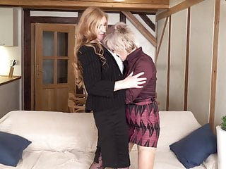 Lesbian moms gonw wild - Granny and mom wild lesbian sex with satisfyer
