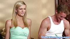 Ripped masseur coaxes babe to tug him off