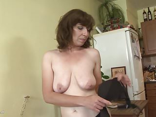 Mother porn hairy Hairy Mom