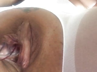 Women with large pussy lips pictures - Playing with large lips