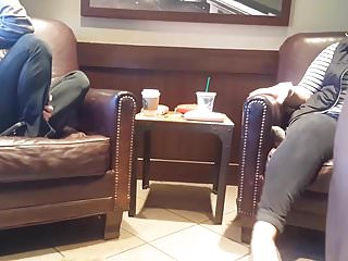 Starbucks stainless thumb Dick flash 2 chicks in starbucks