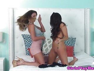 Austrailian lesbian models Gorgeous lesbian models eating pussy