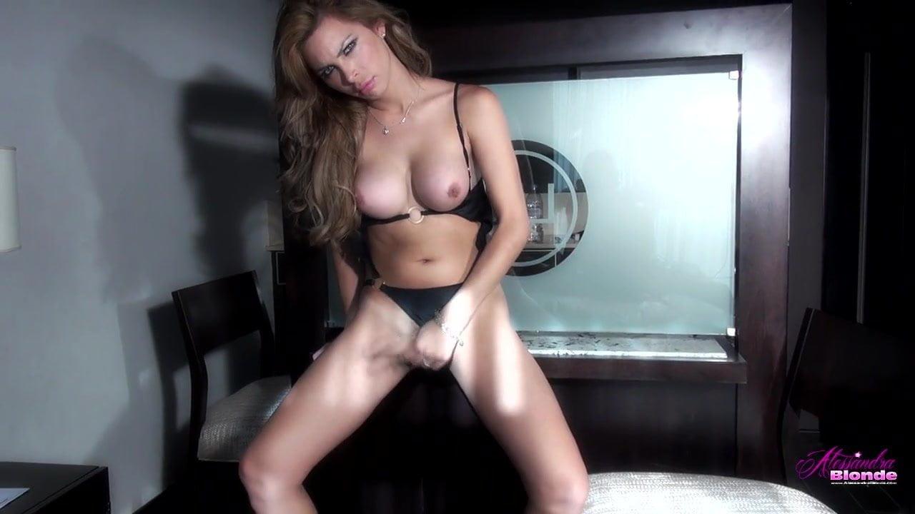 Alessandra Blonde Porn Videos alessandra blonde in a bikini!