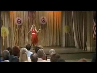 Red teen dresses - Christina applegate as kelly bundy - sexy red dress dance