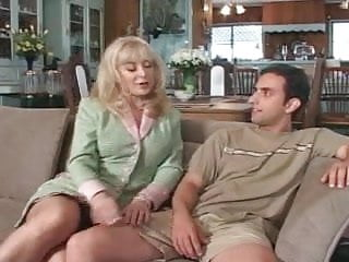 Mature seduce Lonely milf seduces sons friend - cireman