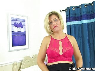 Mr bean large penis English milf emma spreads her legs and flicks her bean