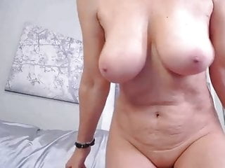 Shaved mature girls - Shaved mature on cam