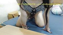 Grueso botín austin taylor obtiene su coño blanco golpeado por un