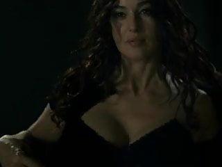 Bellucci monica sex Monica bellucci - the ages of love