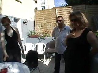 Mature jeans Trio jean sylvie et rachel baise en banlieu 94