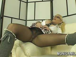 Pantie hose foot job pic Norwegian monicamilf in a nylon panty hose scene - norsk