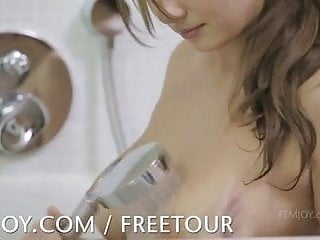 Femjoy dasar and susann lesbian tube Three bathing beauties