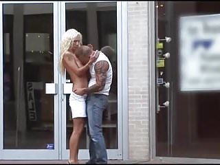 Single leaf entrance swinging door - Public sex - store entrance