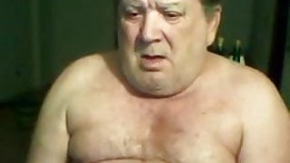 Very sexy daddy jerking