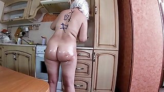 Anal sex and blowjob with an adult MILF in her big and ass