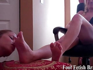 Lesbian slaves sucking toes of mistress Bella and rachel sucking toes and pampering feet