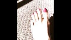Feet 25072020
