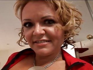 Kelly anderson mature - Kelly leigh is a hot anal mature