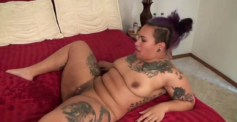 Ebony Teen Squirt Big Dildo