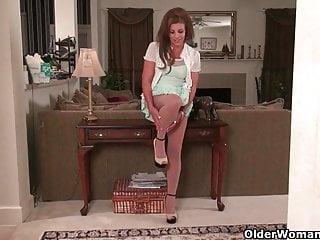 Katrina lesson milf - American milf katrina needs to get off in nylon