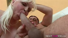 Grandmom likes to fuck