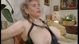 Alte Damen Triefens Nass 2