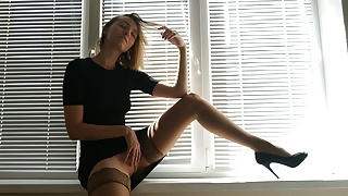 BEAUTIFUL AMATEUR PORN WITH LADY IN STOCKINGS & HIGH HEELS