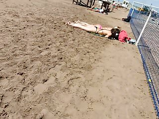 Sol de mel bikini Pendejas tomando sol