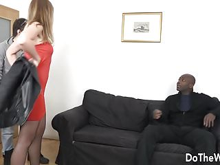 Uk amatuer facial swinger housewife video free - Housewife takes a black cock up her ass