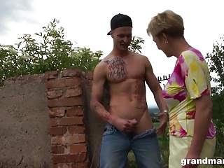 Youngster porn Old busty granny fucks and sucks the bad youngster