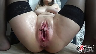 Girl Gets Hard Toy Fuck And Powerful Fisting - Squirt