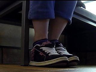 Poeple fucking in vans Public shoeplay in vans sneakers full