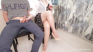 Pulled out a dick in front of a luxury girl in waiting room