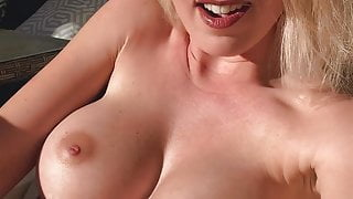 Wet pussy fingered to orgasm outside in the sun