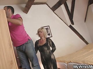 Hot mother inlaws cum - Blonde mother-inlaw seduces married guy