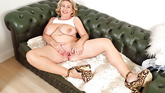 Buxom milf Camilla Creampie from the UK dildos her fanny