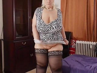 Doing strip tease woman - Jessy sexy german bbw strip tease 1