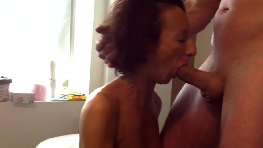 French mature blowjob bathroom