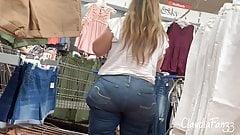 Grande Mega Booty Latina Milf in Jeans