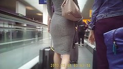 sexy ass in airport 2