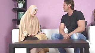 buxom Muslim lady knows how to suck a dick, asmr POV