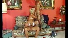 granny Effie in double penetration