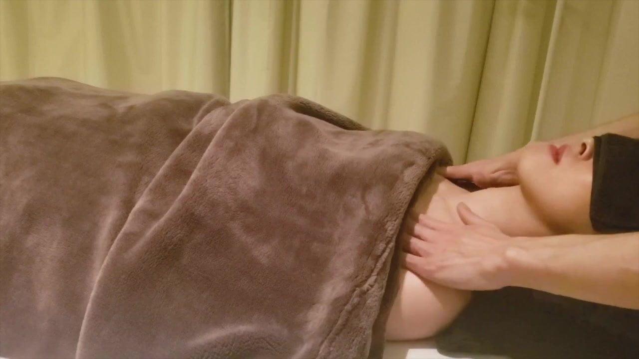 Japanese Aroma Oil Massage 4