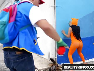 Ass curves Realitykings - monster curves - poke em xxx parody
