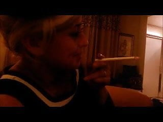 Xxx pin up girls New pin-up girl smoking vs 120s