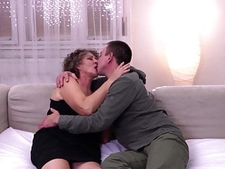 Boy sperm gallery - Granny get cuni and warm sperm from boy